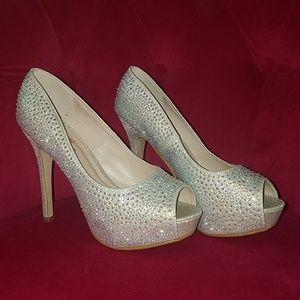 ef343b7fc7f Women s Bella Luna Shoes on Poshmark